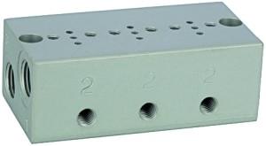 ID: 106652 - Reihengrundplatte 3-fach, M5 für Mini-Magnetventile 15 mm